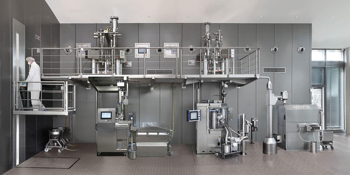 Непрерывное производство: Непрерывное влажное гранулирование и сушка QbCon от L.B. Bohle